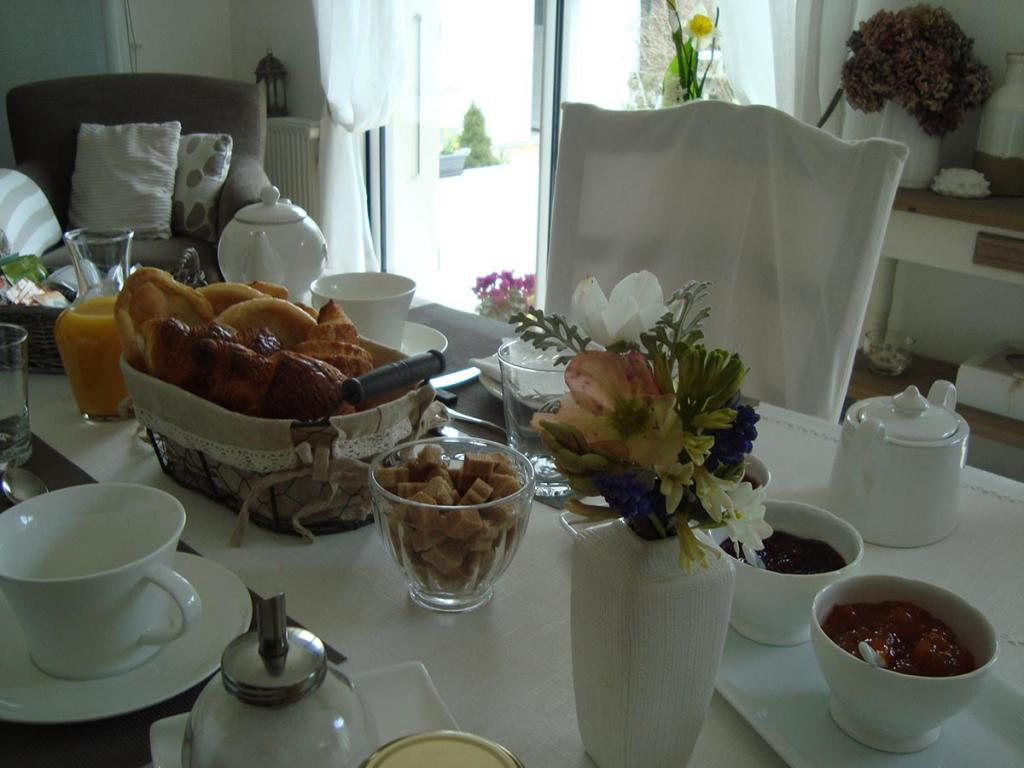 Cancale - Chambre - Petit déjeuner
